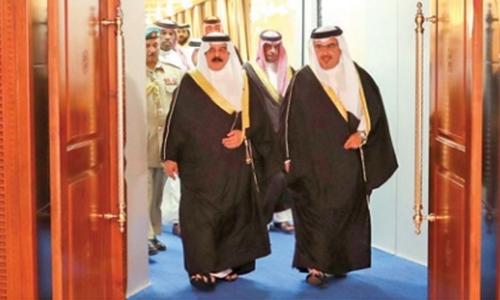 King returns to Bahrain after Nice, Madrid visit
