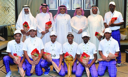 Bowling and golf victories hailed
