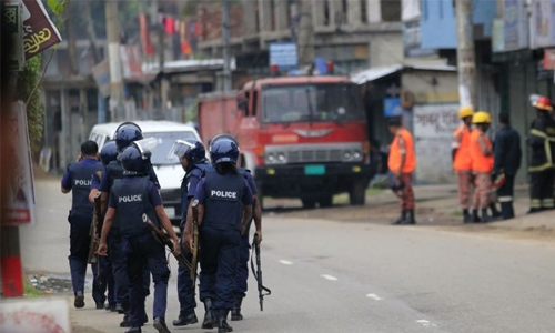Bangladesh Islamists blow themselves up, ending standoff