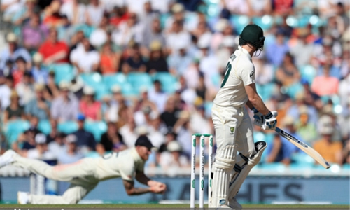 Smith out as England close to win