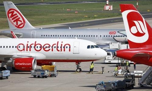 Air Berlin scraps more flights as pilots call in sick