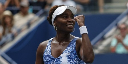 Venus wins, clears US Open path to history for Serena