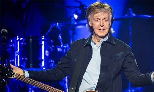 Paul McCartney, Ringo Starr reunite onstage in LA