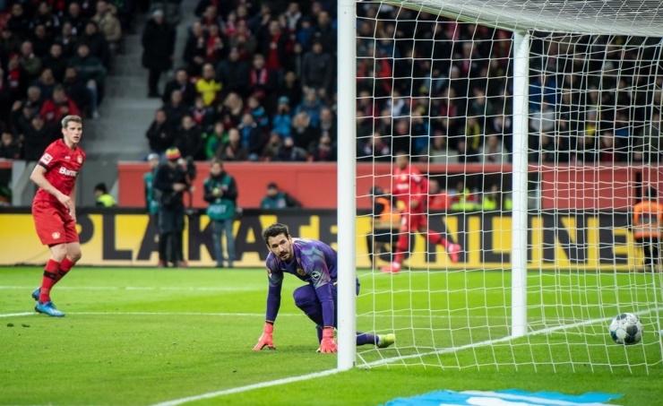 Dortmund lose Leverkusen thriller 4-3, Bremen fall into drop zone