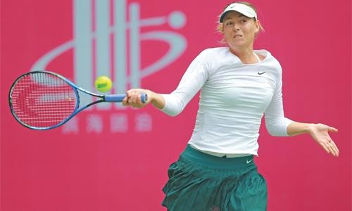 Sharapova moves into Tianjin Open semifinals