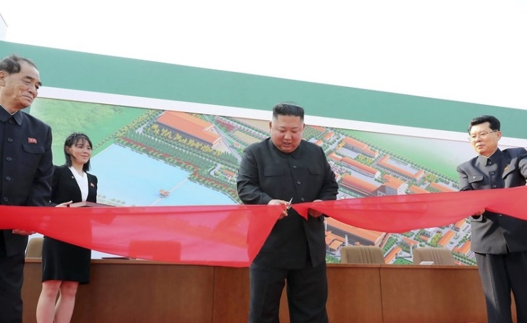 North Korea's Kim makes first public appearance in weeks