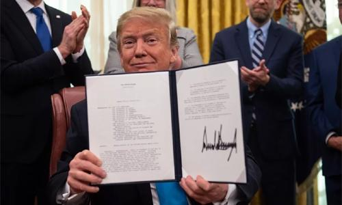 Trump signs 'Space Force' directive