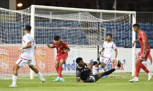 Bahrain score last-gasp win over Oman