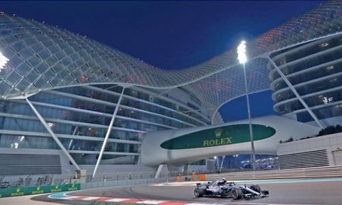 Bottas puts Mercedes on top