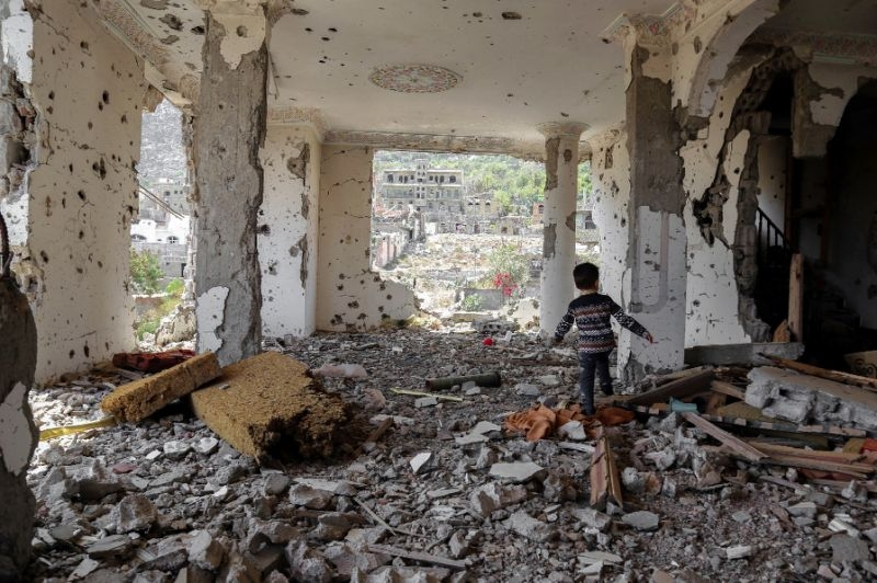 Yemen talks falter before start as rebels stay away
