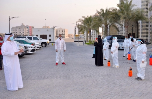 The Deputy Governor of Muharraq Governorate participates in a purification campaign in Busaiteen