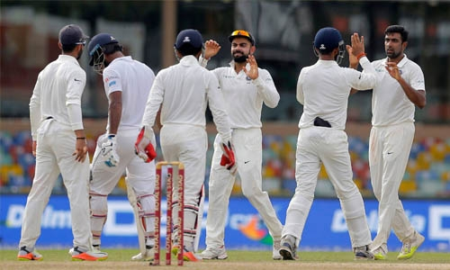 India tighten noose on Sri Lanka in 3rd Test
