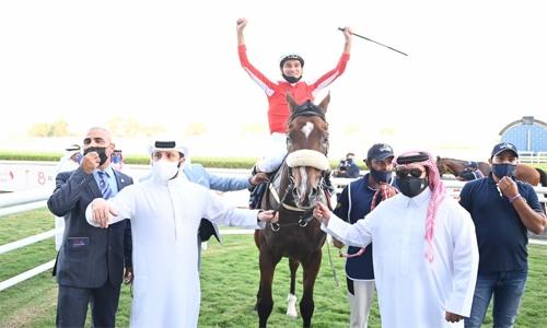 Simsir powers to stunning win in Bahrain International Trophy