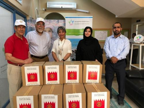 Happiness Unedited ! The Rotary club of Manama presented food parcels to the needy