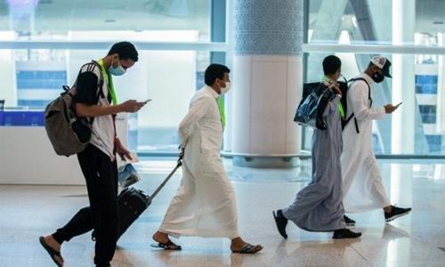 Saudi Arabia suspends international flights, land, sea entry