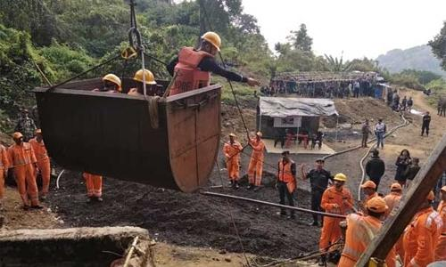 Body of trapped miner found after 36 days