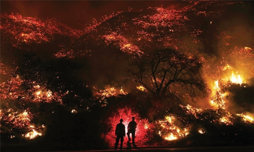 New blaze ignites near Los Angeles