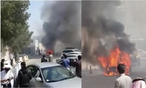 Car caught on fire in Hoora