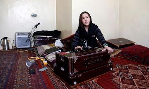 Women singers test limits, signal Afghanistan's changing times
