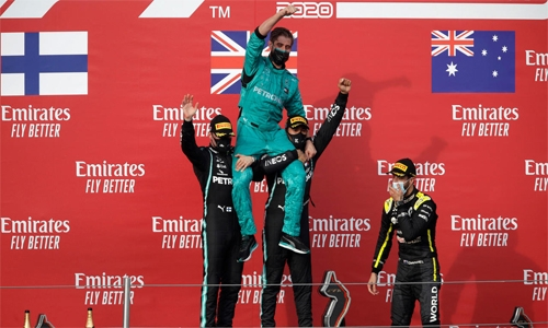 Hamilton wins at Imola to secure record for Mercedes