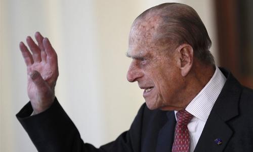 Prince Philip, 97, gives up licence after car crash