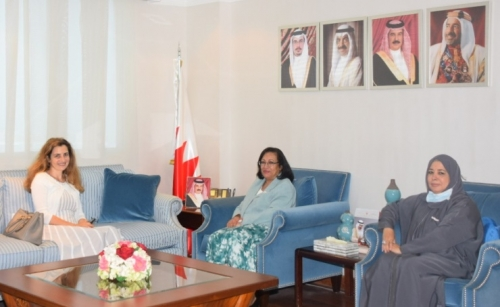 The Minister of Health discusses with the Italian ambassador to enhance cooperation in the health field