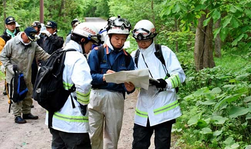 Japan rescuers struggle with lack of clues for missing boy