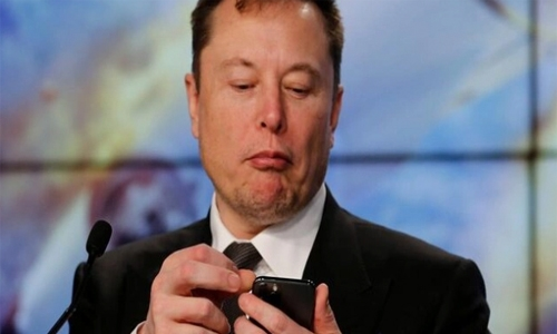 Elon Musk slams Apple over App store charges