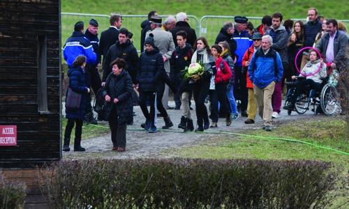 Father disputes co-pilot guilt on Germanwings crash anniversary