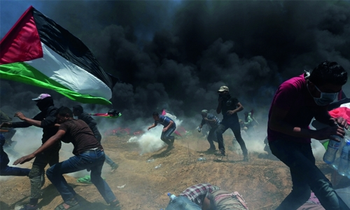 Gazans bury dead after deadly day of border protests
