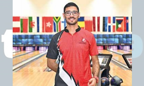 Al Awadhi advances in bowling World Cup