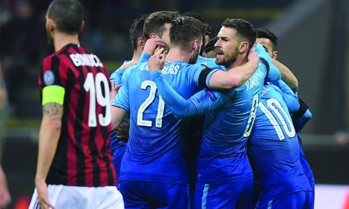Arsenal stun AC Milan