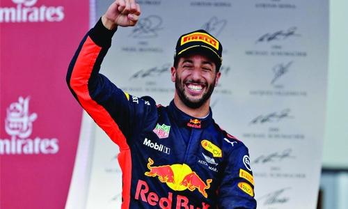 Ricciardo: No Ferrari pre-contract agreement
