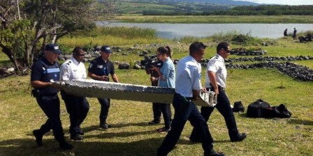 World hopes for first clues to MH370 mystery