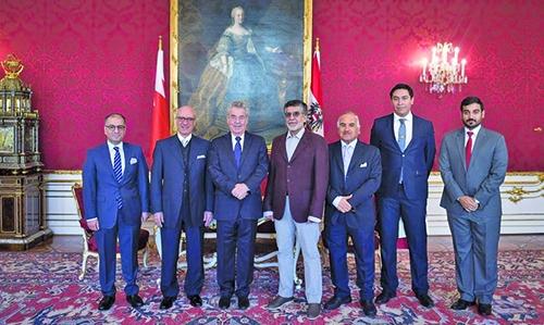 Bahrain Cabinet Affairs Minister, Austrian President hold meeting