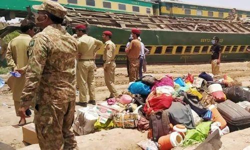Pakistan Express Trains Collision Kills At Least 40