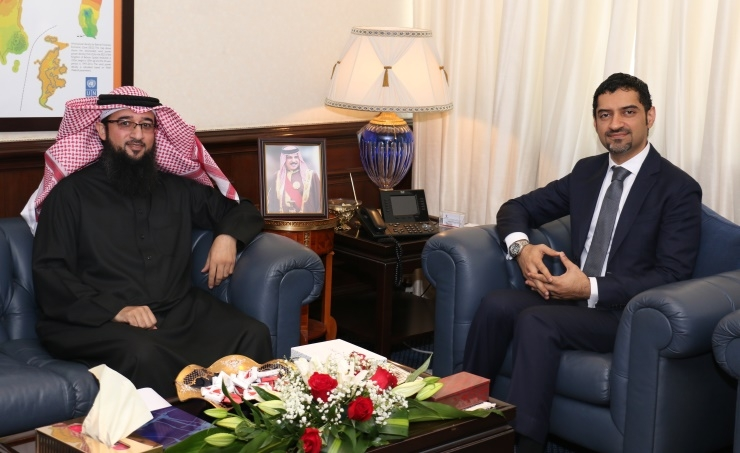 Electricity Minister receives Muharraq Municipal Council Deputy President
