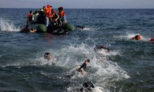16 drown, 30 missing as refugee boat sinks