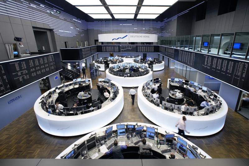 European stocks hammered on trade, geo-political worries