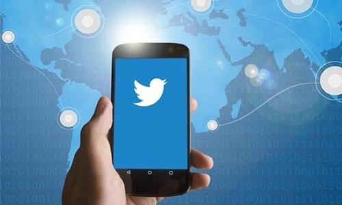 Twitter revamps website in bid to mimic mobile app