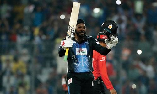 Gayle breaks sixes record