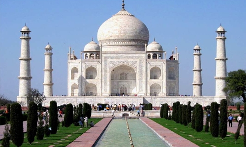 India's Taj Mahal briefly shut down after bomb scare