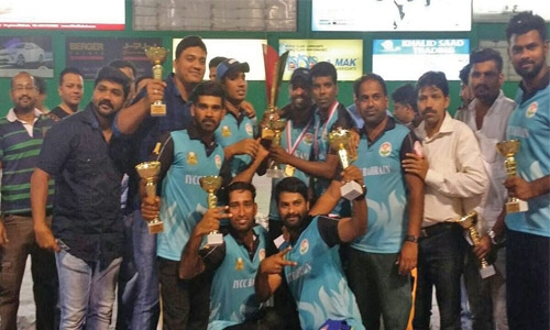 Target CC lift Indian Club softball cricket trophy