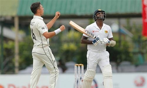 Kiwis rattle Sri Lanka