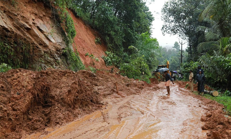 Monsoon, landslides kill 20 in South India