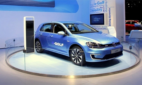 Volkswagen to invest 60 billion euros in e-mobility, digital tech by 2024